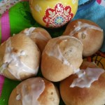 Easter Cakes – Cross Hot Buns (bread machine)