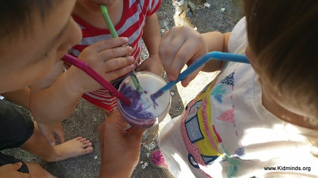 Brain Boosting Smoothie for Kids and their Parents. Pears, Blackberries, yogurt.. watch the happy swirls... Did you know that banana is a herb?