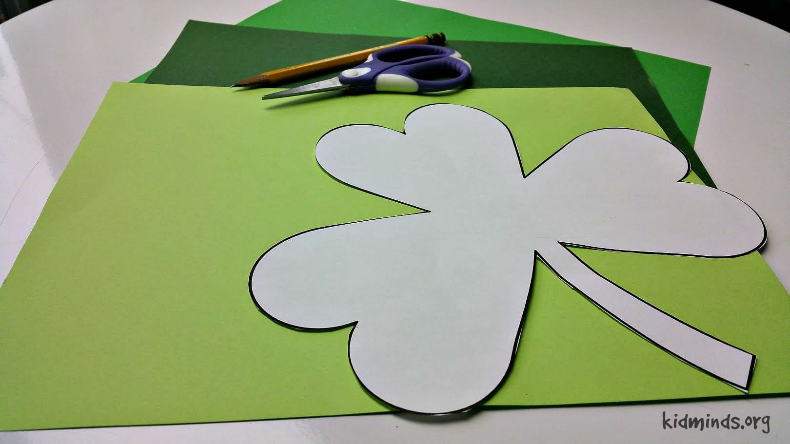 Irish Luck St. Patrick's Day Counting Game to practice early math skill #homeschool #kids #math
