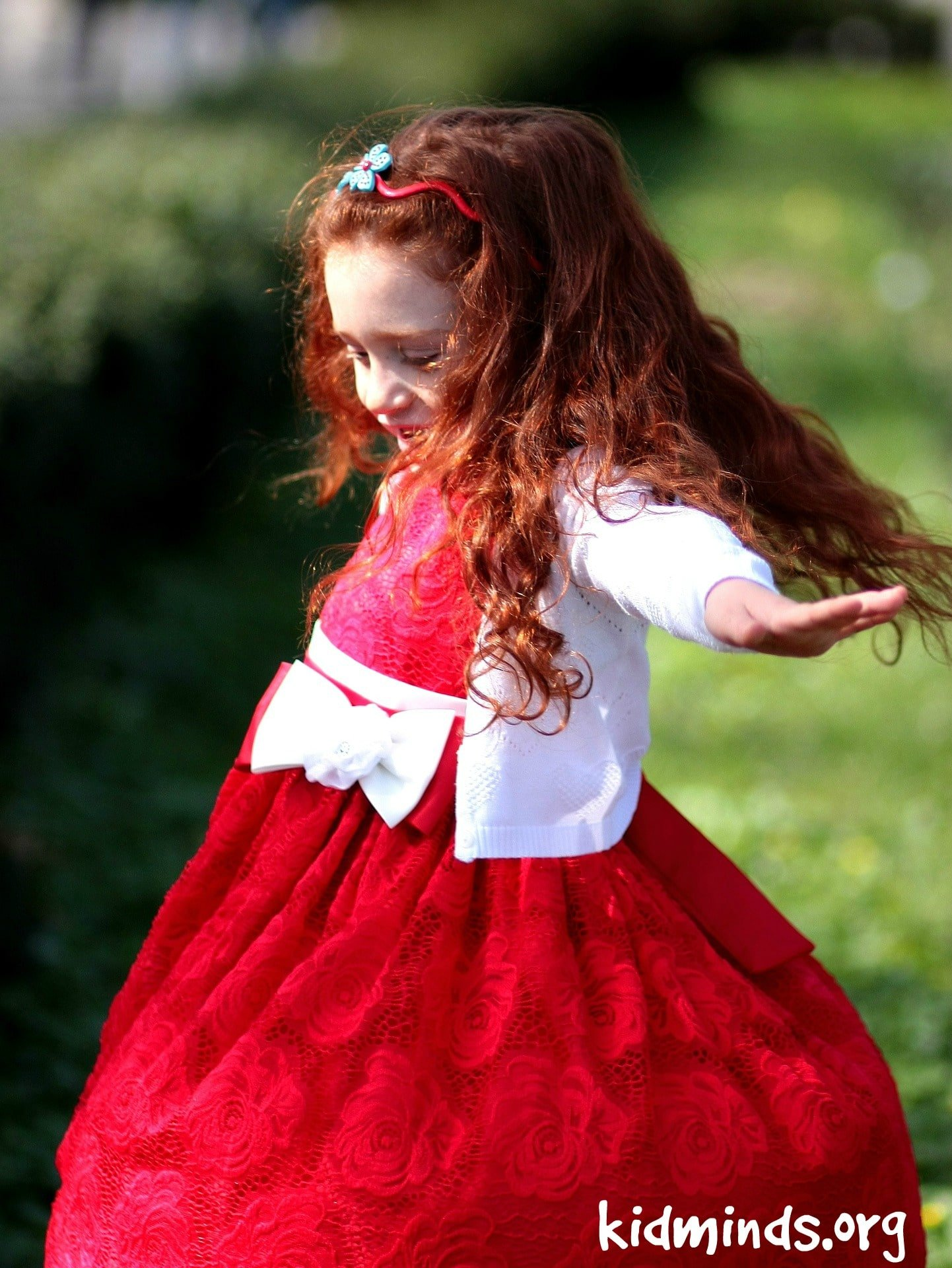 Spinning Girl l