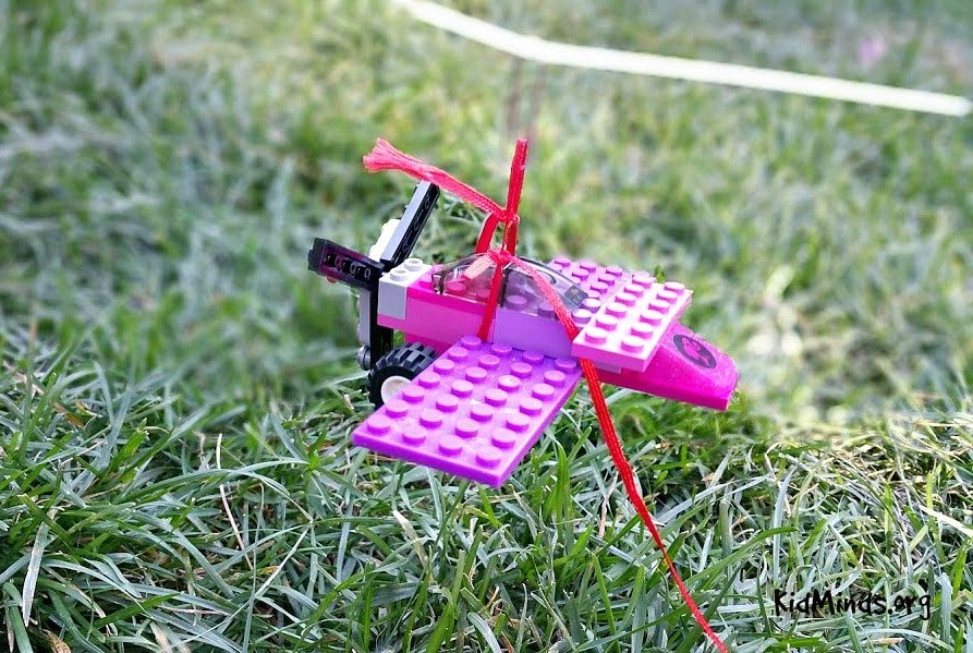 How to make a lego airplane fly