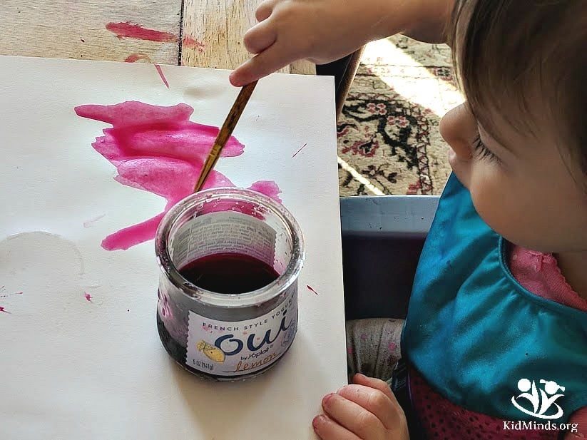 Sensory painting: from turmeric to cocoa, from jam to ketchup, your new art supplies will help you create interesting textures and lots of experimentation. #sensory #art