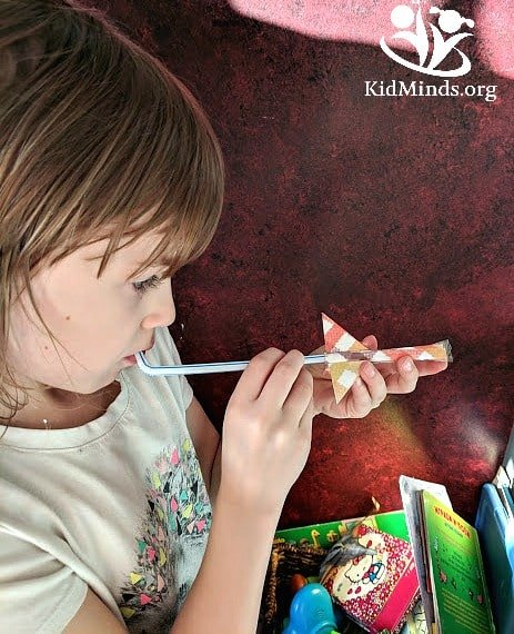 Straw #rockets for kids is a simple play idea that involves #science and #math