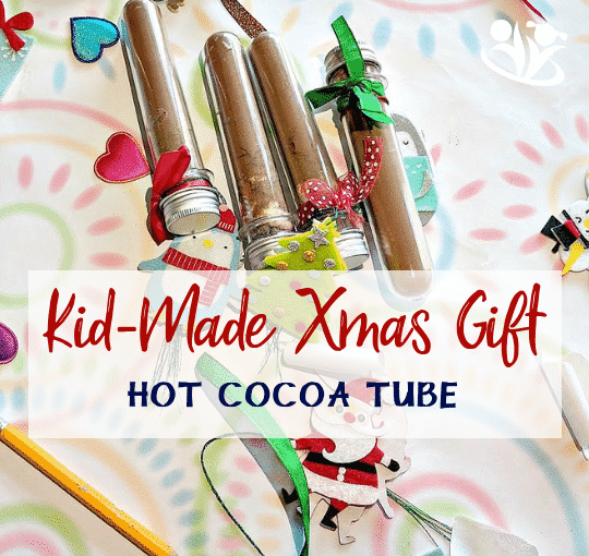 Kid-made Christmas gift idea that is a pleasure to make and fun to gift. Make holidays more meaningful with homemade gifts, like this hot cocoa kit in a single serve test tube. #xmas #kidmade #gift