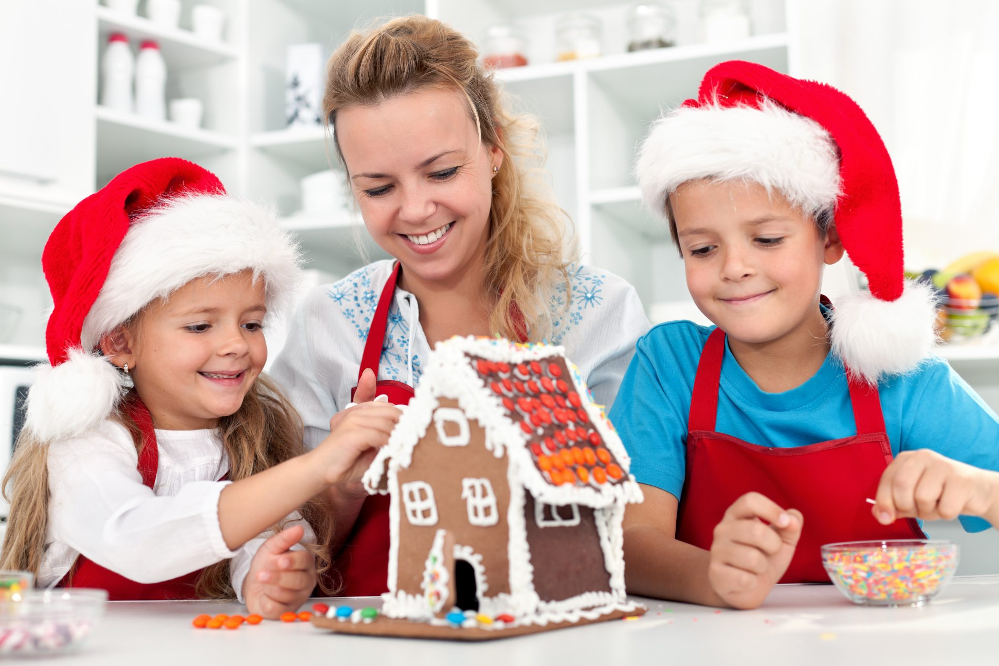 How to Make Christmas More Memorable for Your Family? Are you feeling the pressure to create a perfect holiday for your children? Here are easy and fun activities that you and your kids will love, minus the overwhelm. #christmas #familyfun #makingmemories #funmom #simpleChristmas #Christmasfamilyfun #family #christmasfamilytime #thisarethemoment #funfamilytime #makingmemoriestogether #slowandsimpledays #creativemommy #handsonlearning #learningwell