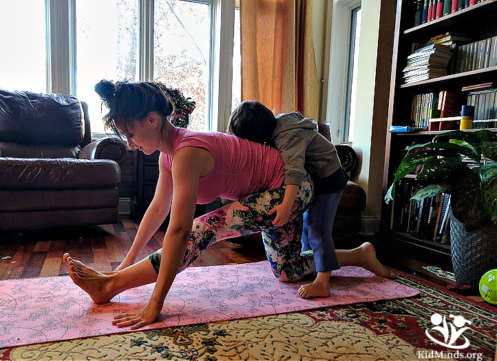 Want a simple tool to get in shape and stay in shape when you're a busy mom? I'm sharing one secret that every mom should know about that will help you to do just that. #mom #parenting #fitmom #fitnessformoms #aaptive #fitmomlife @aaptive #app