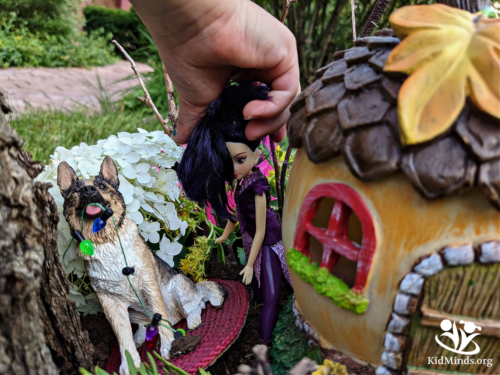 Putting together a fairy garden is not just fun! It incorporates science, technology, engineering, and math (STEM) learning. #kidsactivities #fairygarden #STEMlearning #playandlearn